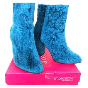 Shoedazzle Teal Gigi velvet textured bootie 8